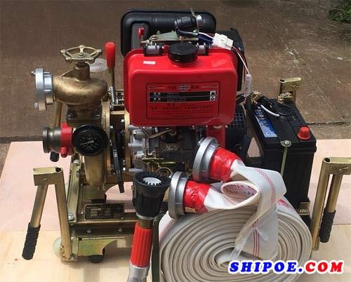 按我国船规对船舶应急消防泵的要求中,下列哪项不符合要求