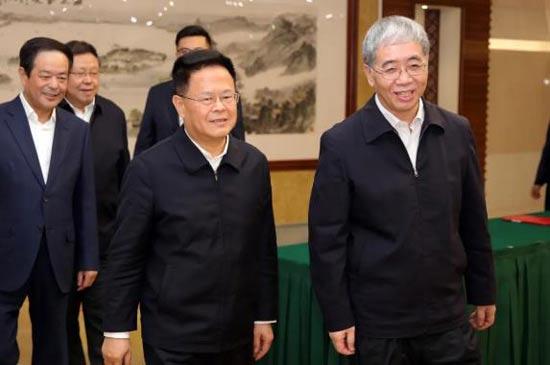 批量订造大型原油轮 中国船舶集团与浙江荣盛集团签署战略合作框架协议及合资合作协议