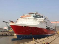 廈船重工首制2800客郵輪型客滾船順利出塢
