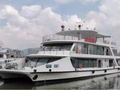 """赛思亿国内首个高原纯电动客船""""滇池和谐号""""正式交付船东"""