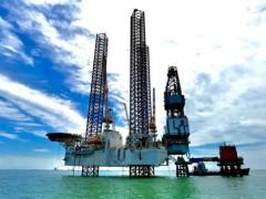 大连中远海运重工自升式钻井平台N611在胜利油田投产